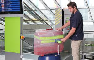 Kofferfolierung am Flughafen Dortmund