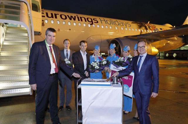 Eurowings-Crew am Flughafen Dortmund