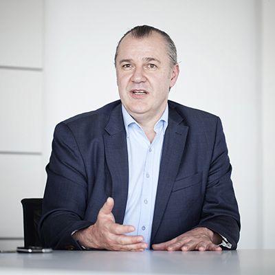 Institutsleiter Prof. Dr. Manfred Hauswirth