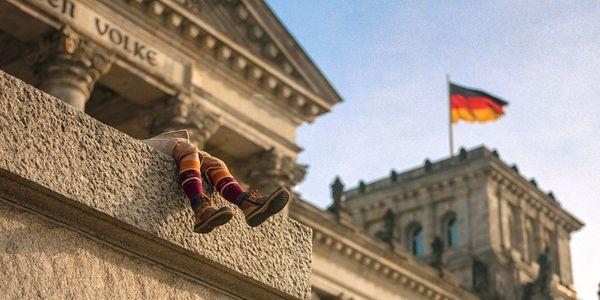 COCO DPS news 2015 Reichstag Beine Flagge eGovernment Öffentliche IT
